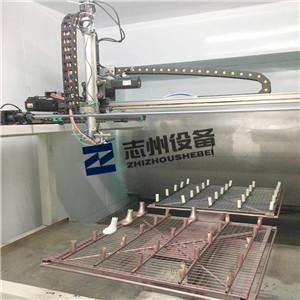 五軸二貨盤往復式自動噴塗機 往復式自動噴漆機 機器手噴塗機 1