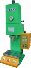 臺式液壓機