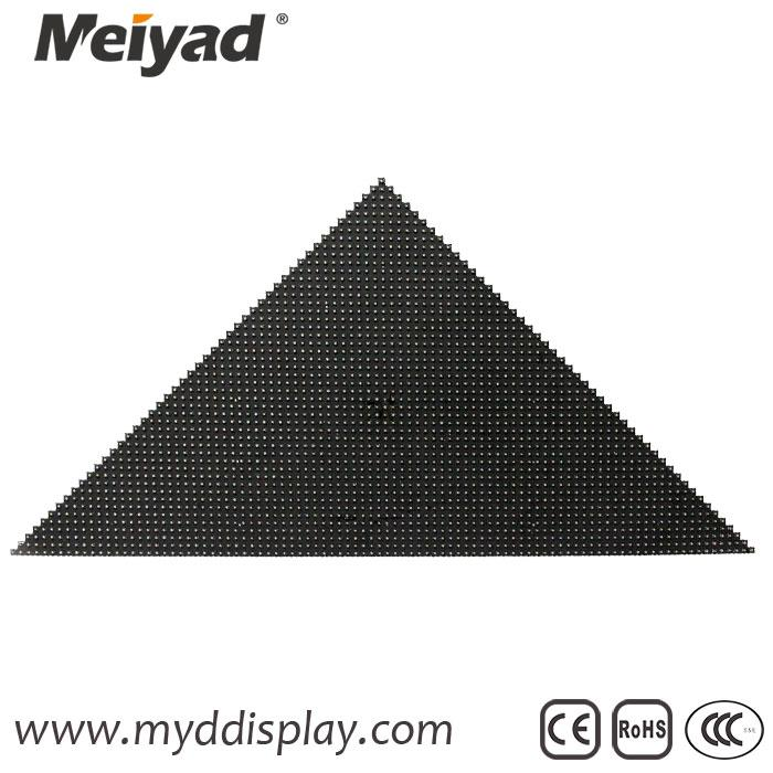 P5 Customized Triangle LED Display 336mm*475mm*240mm 3