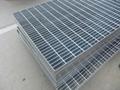 供應安平熱鍍鋅鋼結構網格板