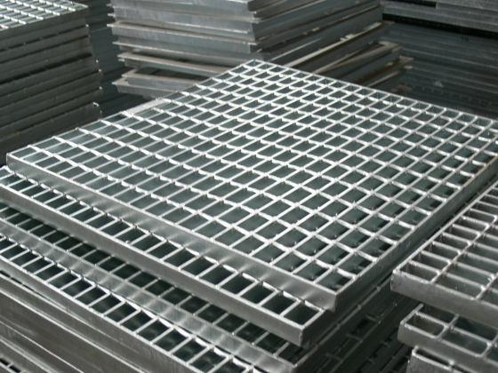 广州轻形钢格板机器 1