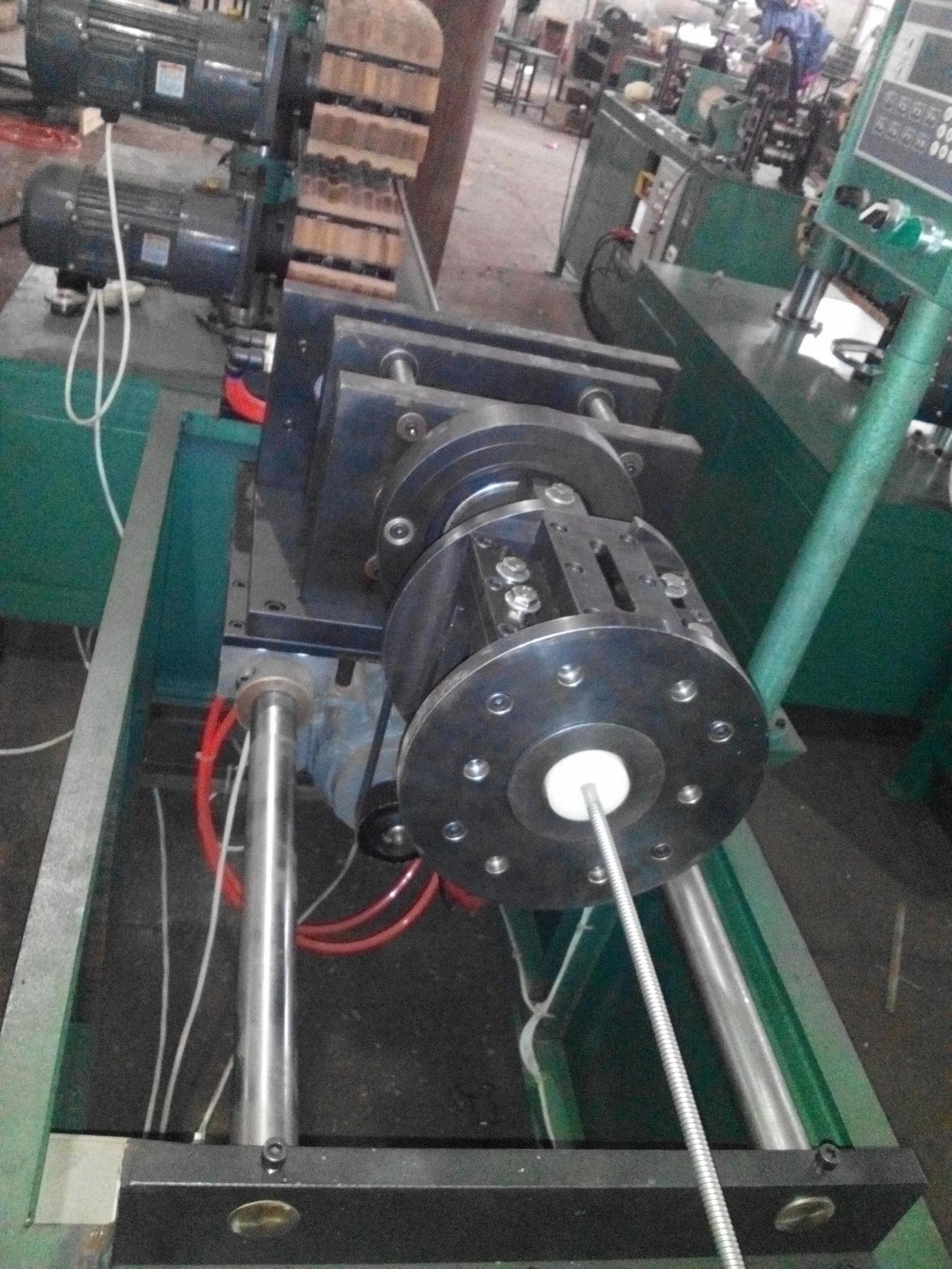 不鏽鋼螺旋波紋管生產線 1