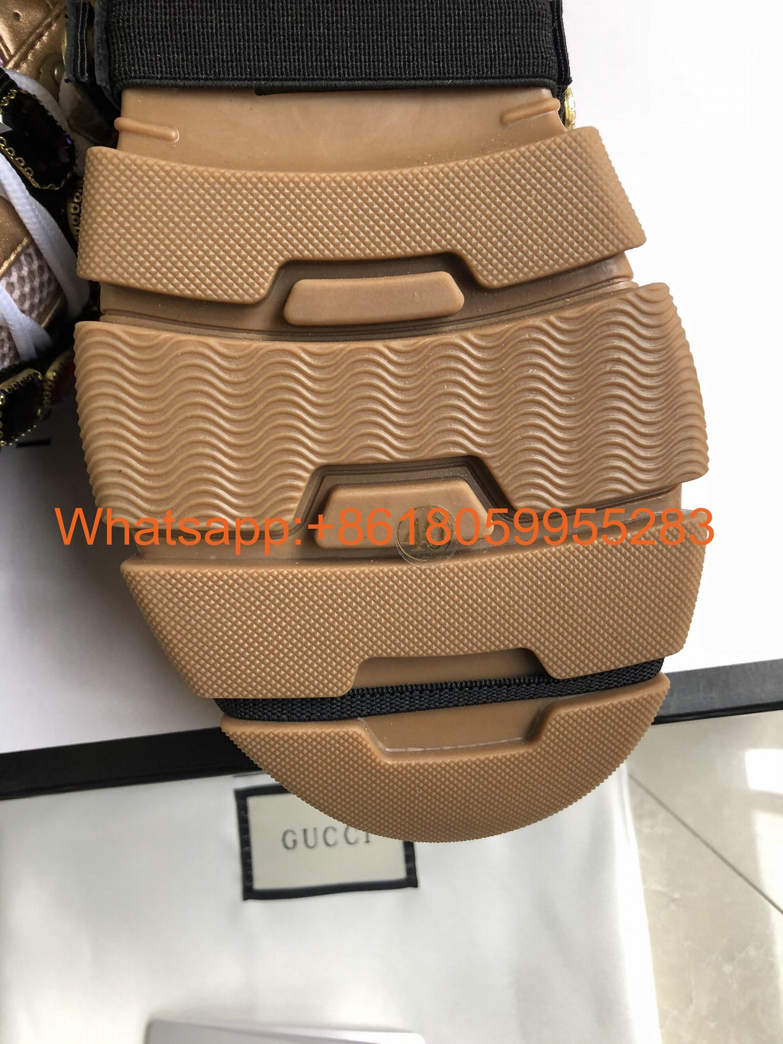 2019 Newest Gucci shoes men Gucci sneakers Wholesale women Gucci High heels sale