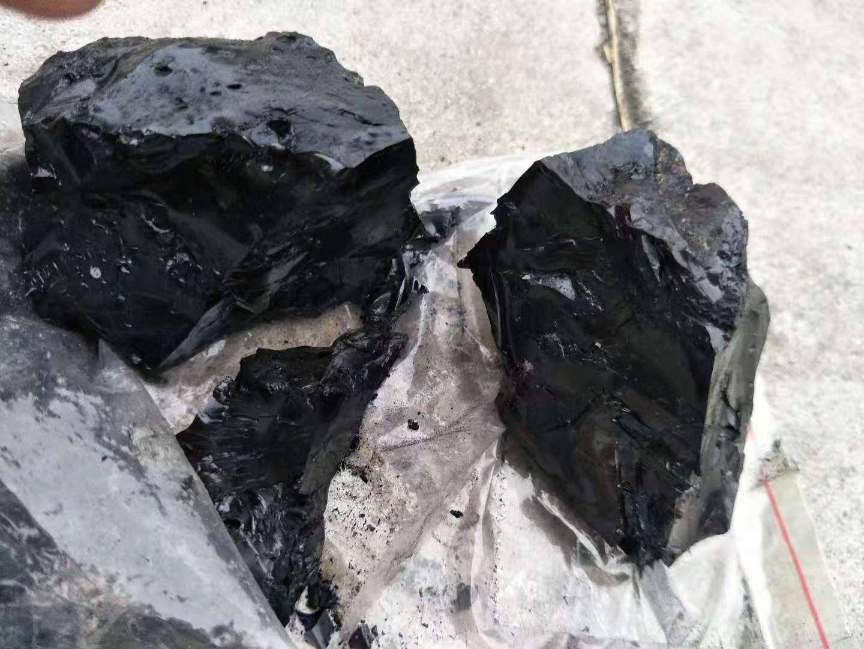 黑色塊狀無味古馬隆樹脂 2
