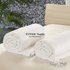 Pure mulberry silk comforter and luxury good for skin and hair