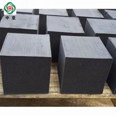 工厂网销废气处理吸附活性炭 喷涂油漆房专用耐水蜂窝活性炭