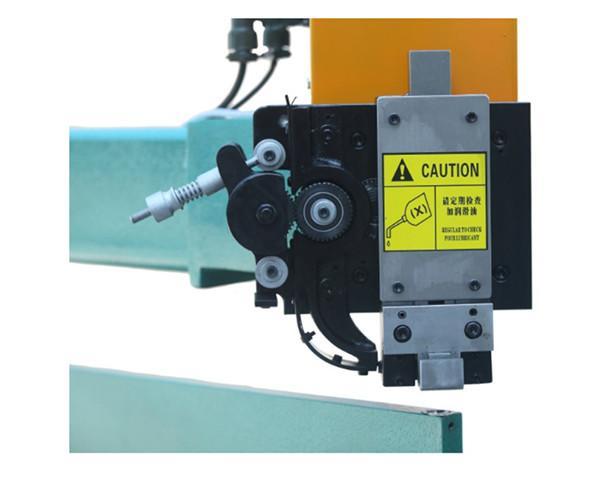 Manual high speed corrugated carton stitching machine 1