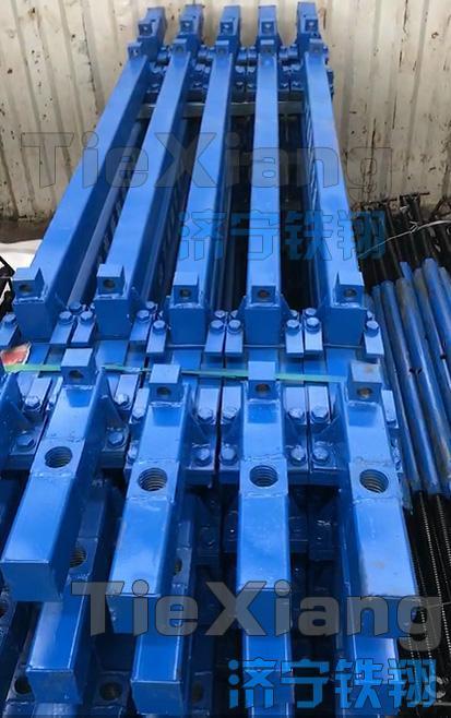 性能卓越的地铁专用钢轨支撑架 3