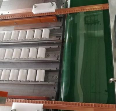 全自動磁性門帘焊接機 4