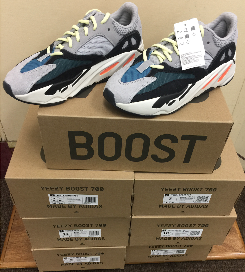 factory price b8f83 733df Adidas Yeezy Boost 700 Originals Wave Runner B75571 Size 5 ...