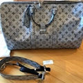 LOUIS VUITTON LV Keepall 50 Bandouliere