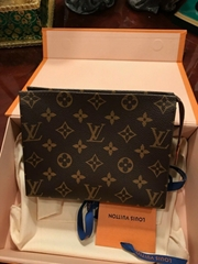 Louis Vuitton Monogram Canvas Toiletry Pouch 26 Bag Clutch wallet purse bags