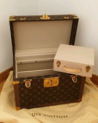 Louis Vuitton Beauty Hard Case Trunk Travel Boite Pharmacie LV Boite Flacons box