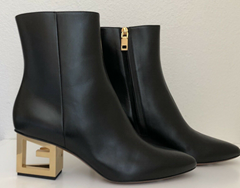 Givenchy Ankle boots in leather with triangular G heel