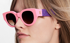 round shape of these Dunes sunglasses Contrasting block colors
