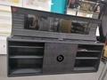 Luxury earphone shelf