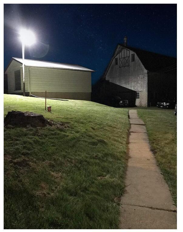 D2D Brown LED Barn Light Outdoor Wall Mount Overnight 5000K Daylight 2200lm 5