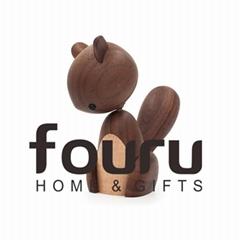 Nordic Wooden Squirrel Desktop Decoration Walnut Wood Puppet Handcraft Squirrel