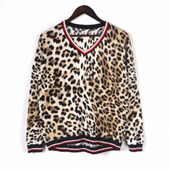 2019 ladies fashionable soft leopard print knitted pullover loose sweaters