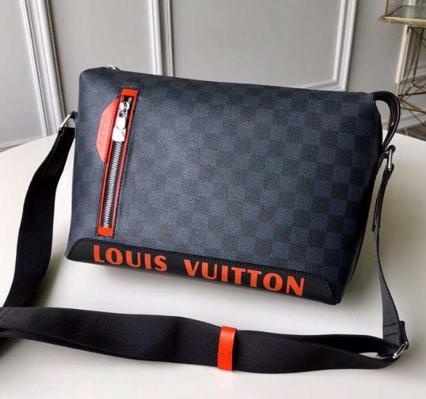 Monogram LV duffle leather man briefcase lv messenger bag travling backpack  1