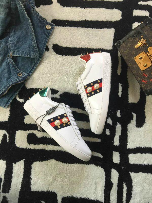 ba2ec23d1998 ... GUCCI Ace sneaker with removable patches shoes men embroidered lovers  sneakers ...