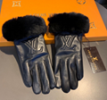 wholesale Gucci golves real leather fashion furry fingered gloves mittens mitts