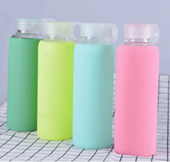 Anti-slip heat resistant sports water bottle, borosilicate glass bottle silicone