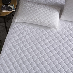 Brushed Fabric Quilt Waterproof Mattress Pad Cover Fitted Mattress Protector