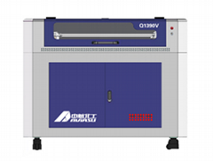 Q1390V 自動尋邊切割機