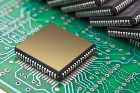 CMOS低压差线性稳压器 3