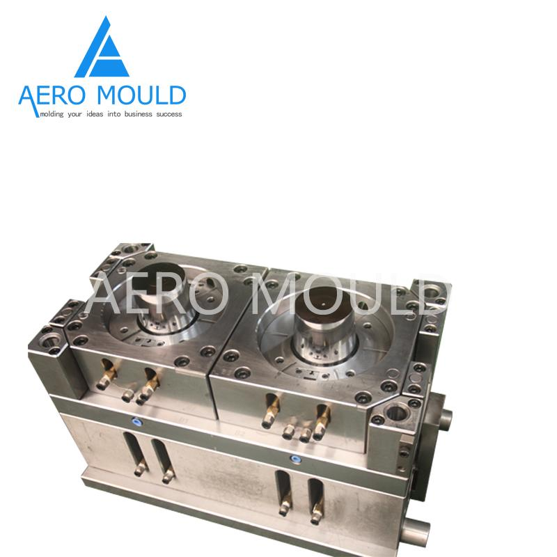 Disposable transparent plastic cylinder container mould 4