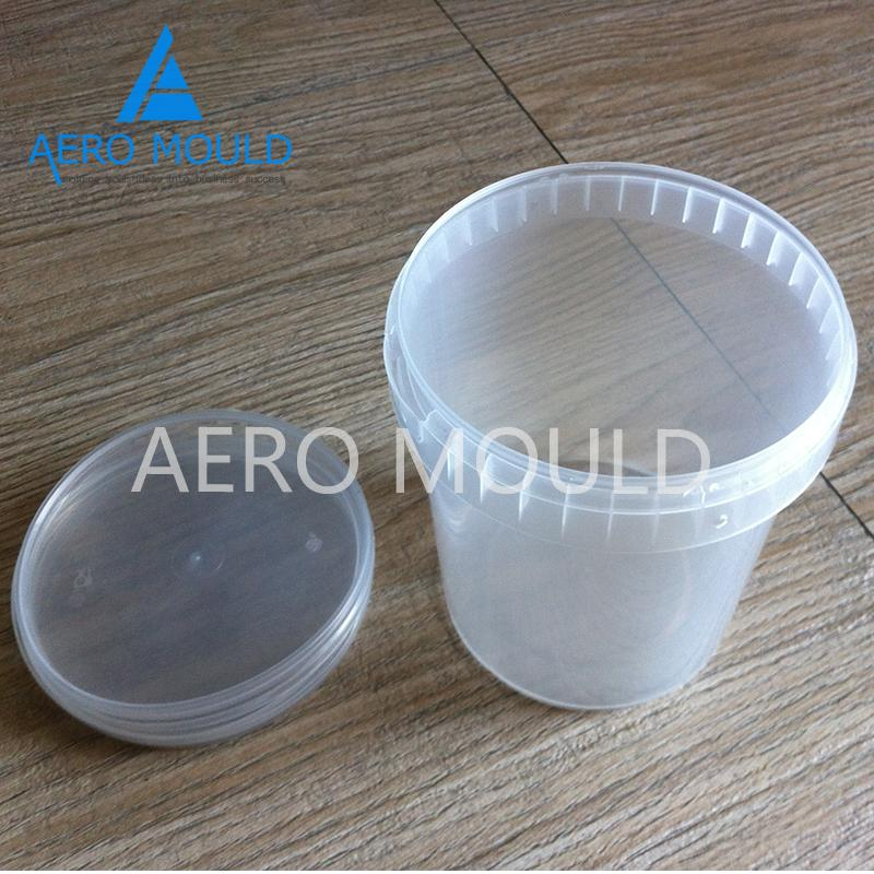 Disposable transparent plastic cylinder container mould 5