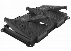 EN124 D400 Cast Iron Double Sealed Triangular Ductile Iron Manhole Cover  Frame