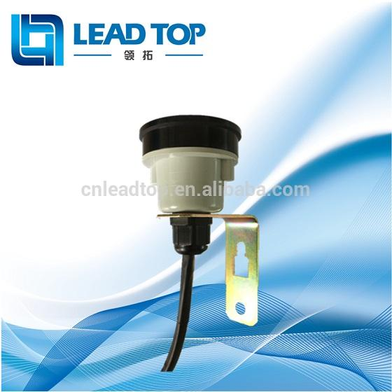 mounting receptacle for photocontrol switch 1