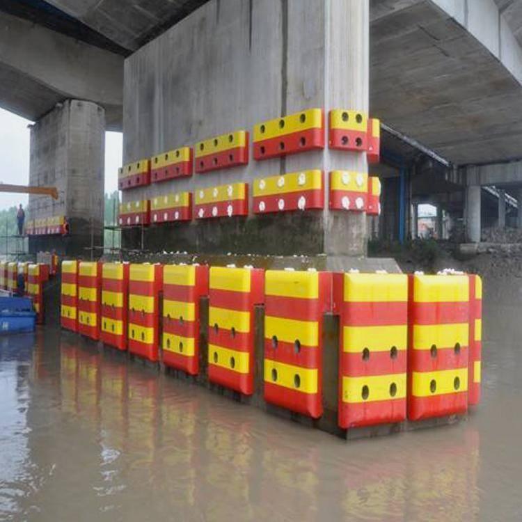 自浮式复合材料桥墩防撞设施 5