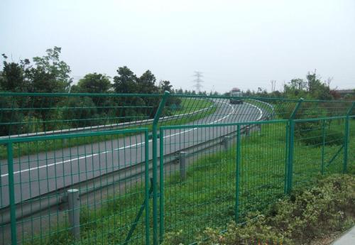 高速公路護欄網 綠色雙邊絲鐵絲網 圈地圍欄 5