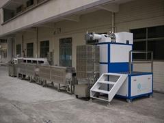 臣泽智能装备立式单色硅胶挤出生产线