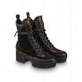 hotsale    laureate platform desert boot