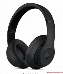 Beats Studio3 Wireless Over Ear Headphones  Matt Black with hard case