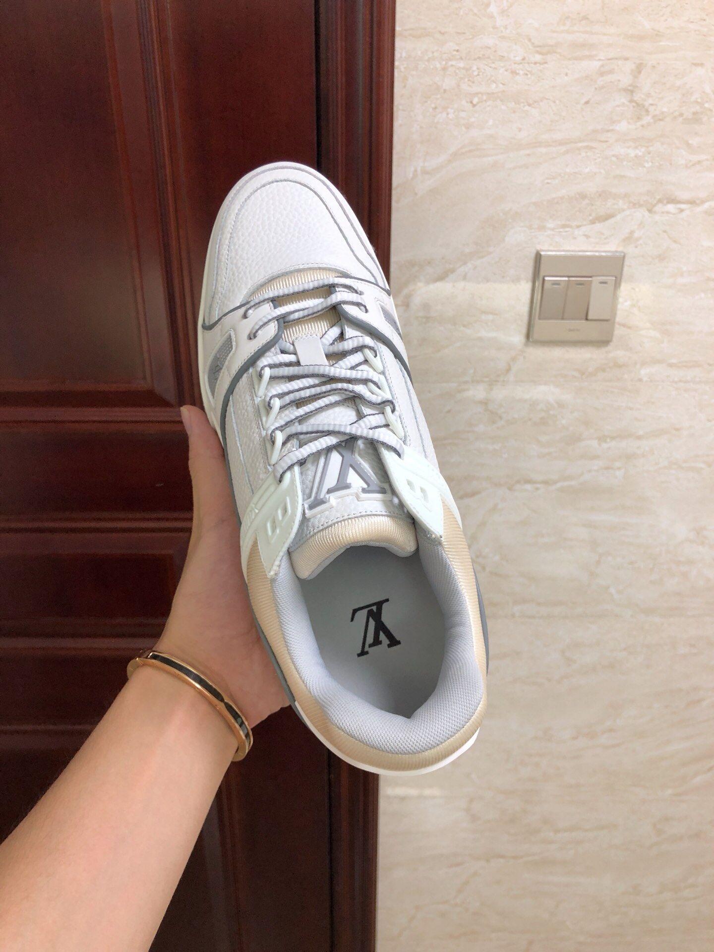 lv trainer sneaker Grained calf leather white lv sneaker 1A5PZO lv sneaker lv  10
