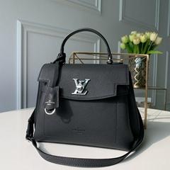 lv lockme ever bb noir lv handbags M53937
