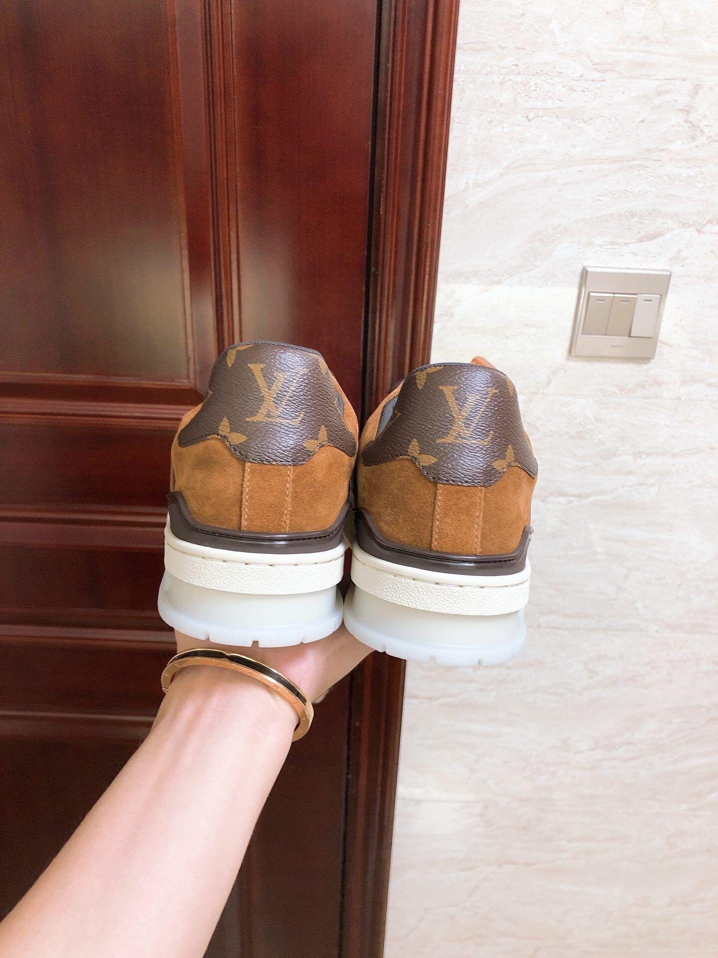 lv trainer sneaker 1A5UR7 lv men sneaker lv shoes Monogram canvas  lv men shoes  3