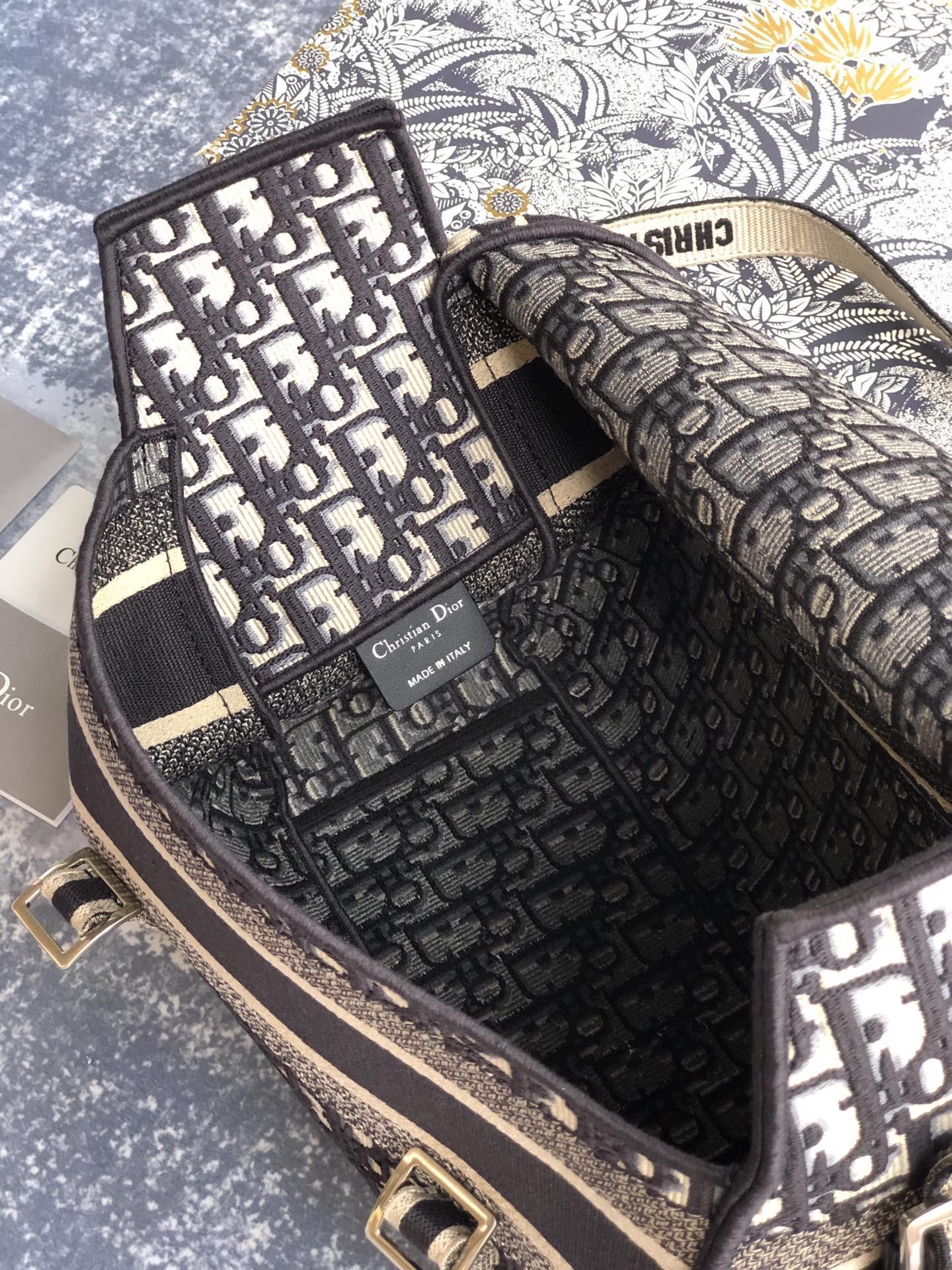 CAMP BAG Blue      Oblique Embroidery  2