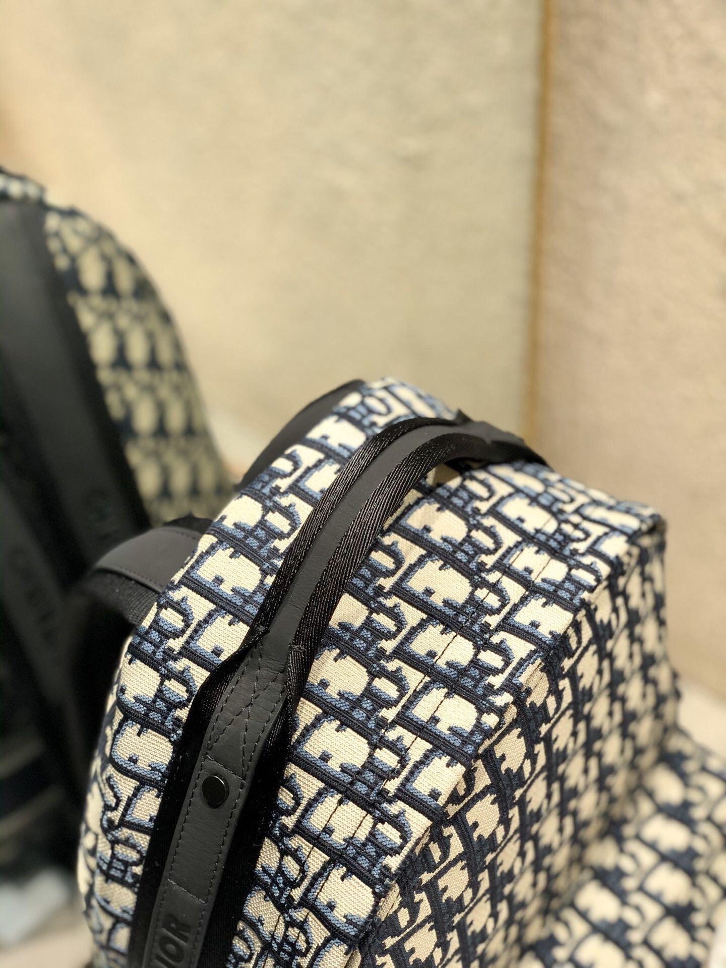 TRAVEL BACKPACK Blue      Oblique Jacquard      backpack  3