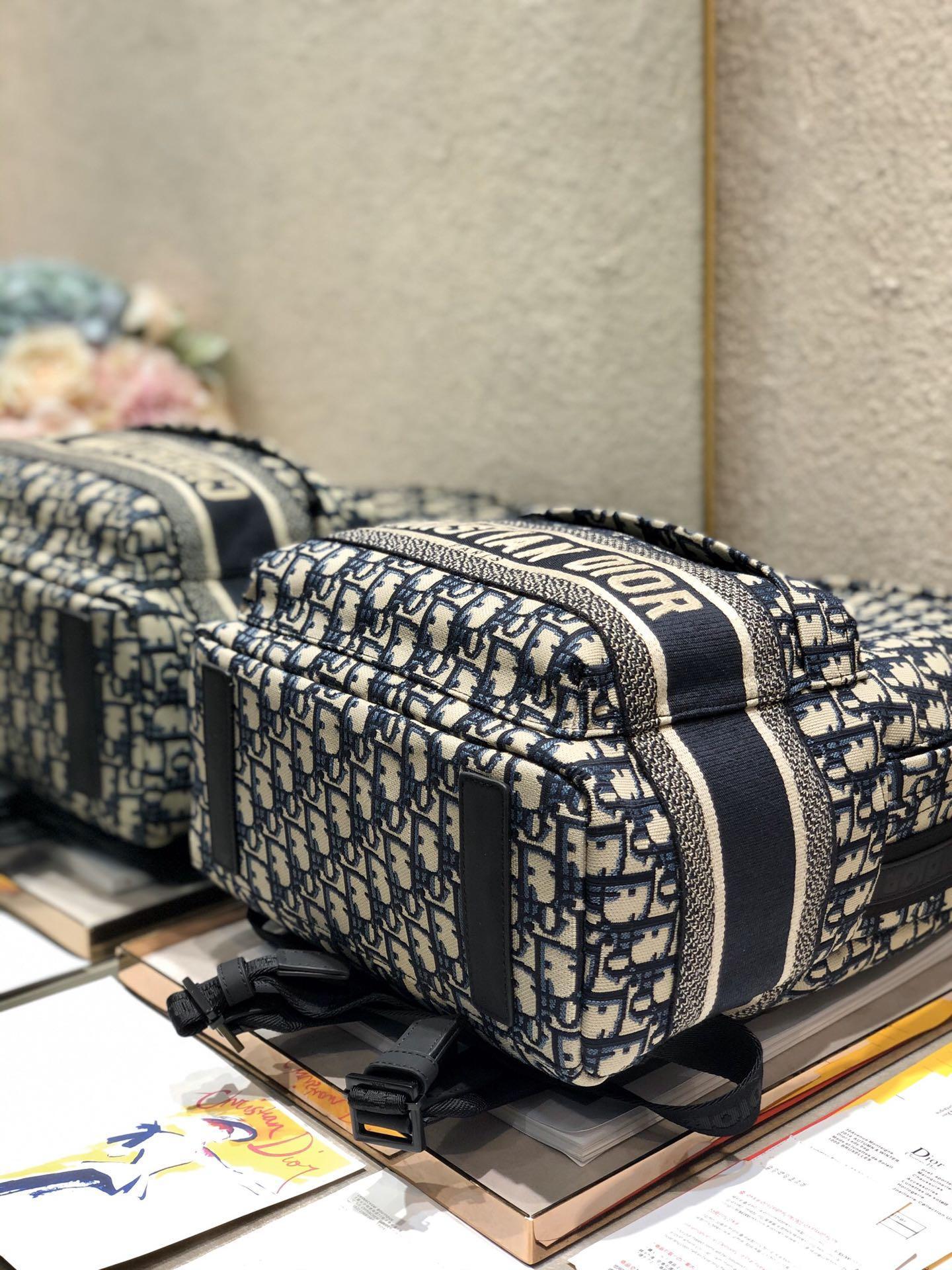 TRAVEL BACKPACK Blue      Oblique Jacquard      backpack  5