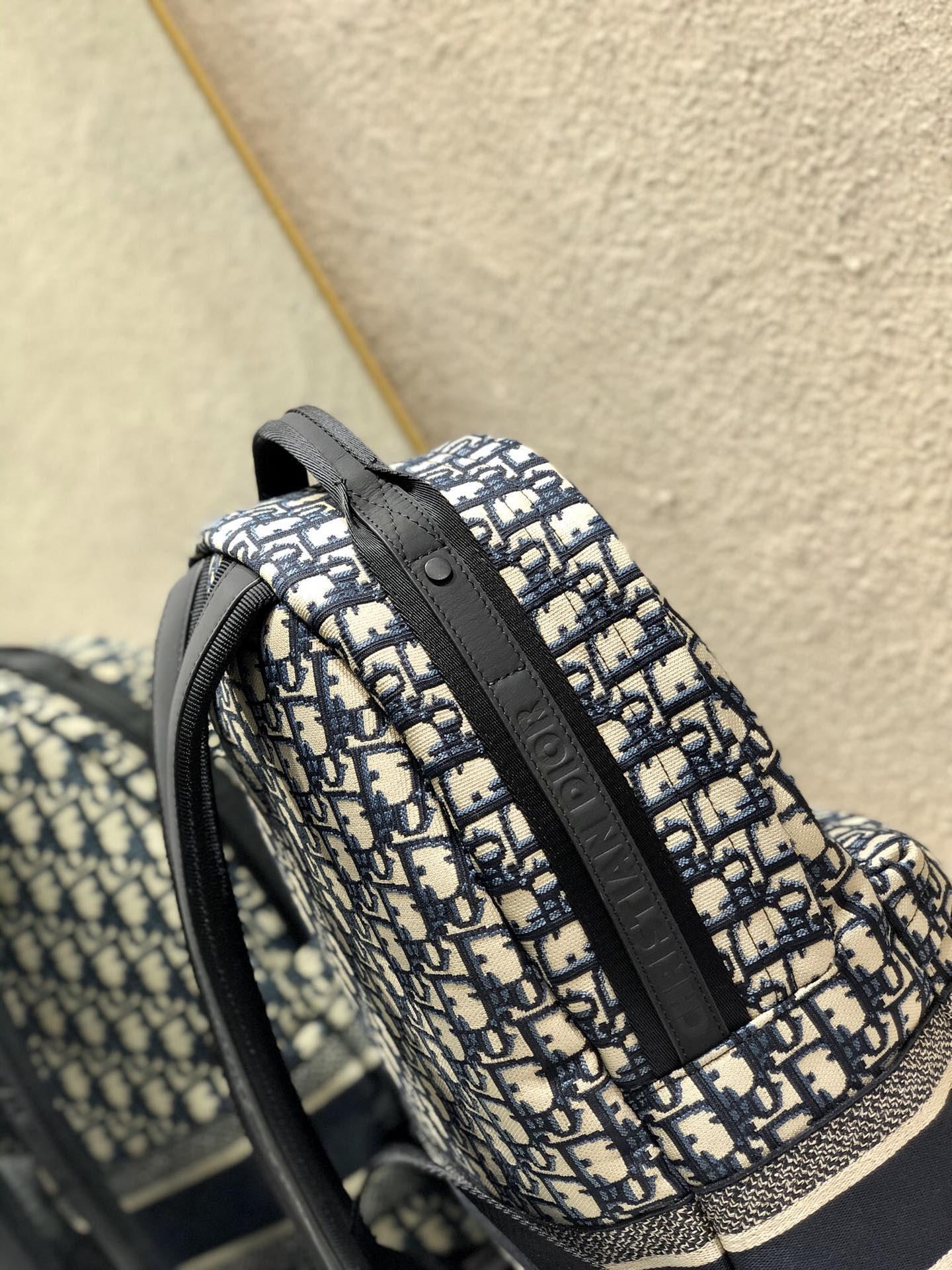 TRAVEL BACKPACK Blue      Oblique Jacquard      backpack  8