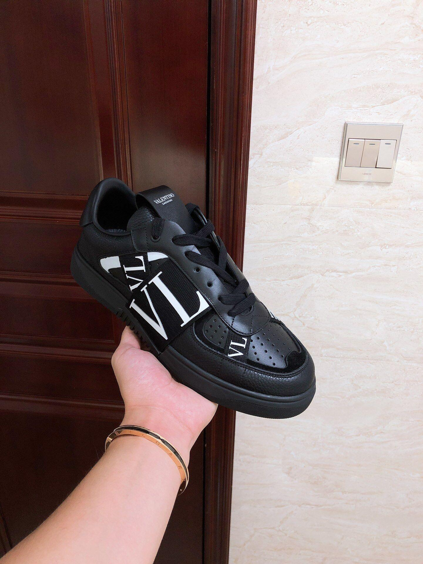 GARAVANI CALFSKIN VL7N SNEAKER WITH BANDS           shoes snekaer  1