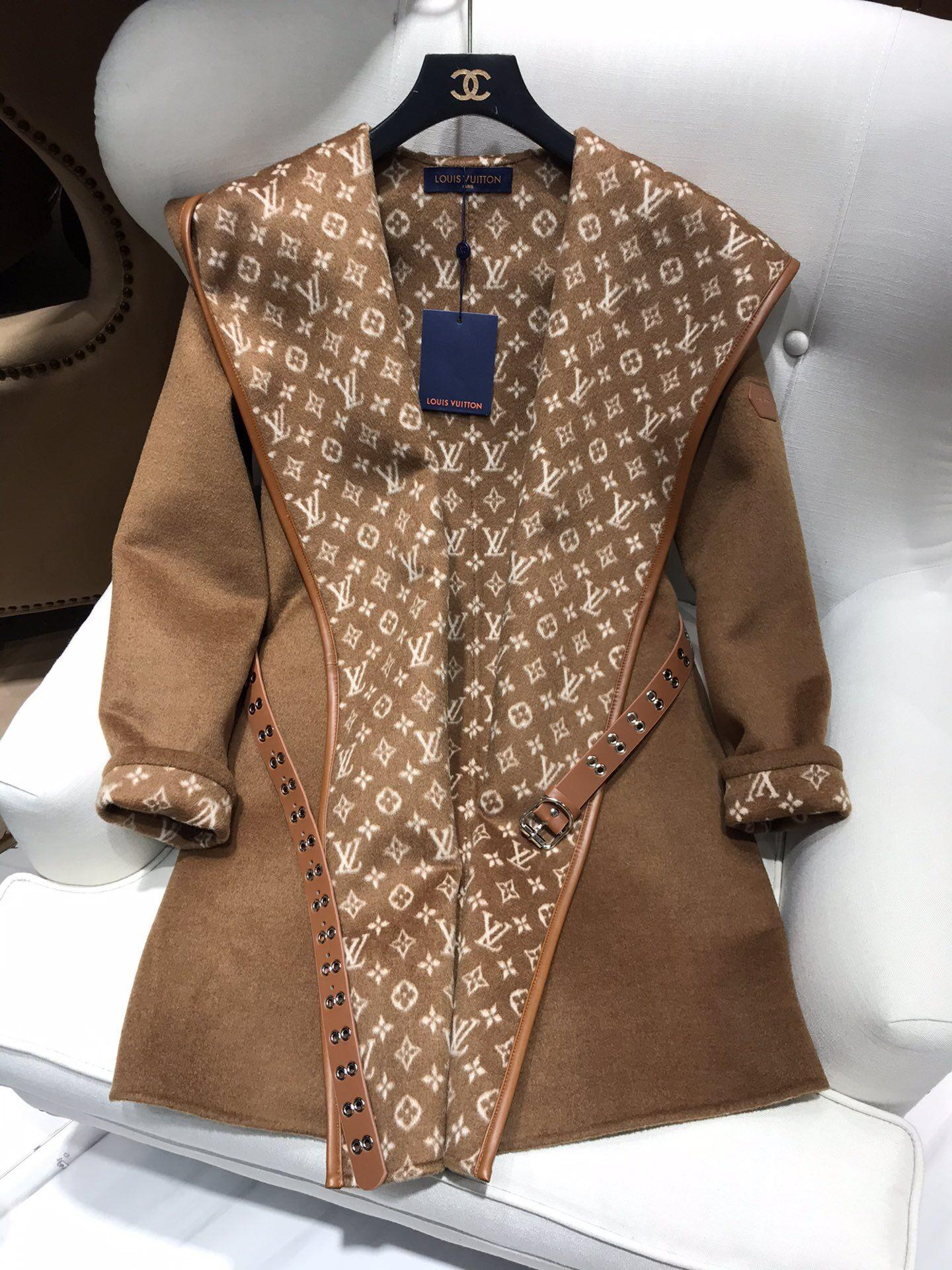 Newest wrap peacoat in wool and silk with monogram detailBiscotti  1A8260  7