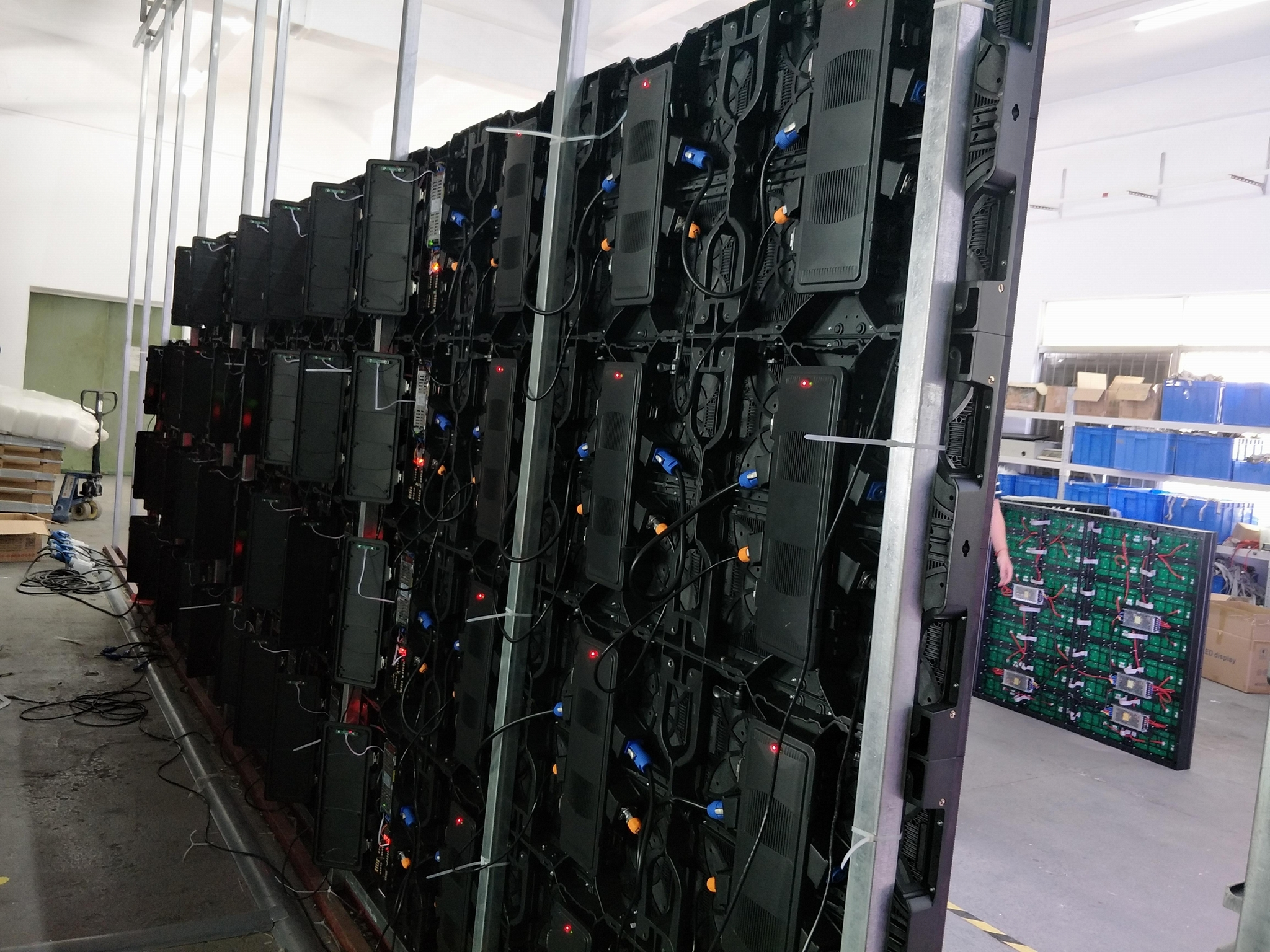 Big Size Giant Rental LED Display Screen For Stage 4