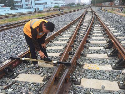郑万高铁专用数显轨距尺 3